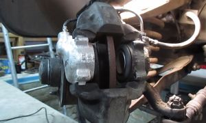Замена переднего тормозного цилиндра ВАЗ-2107