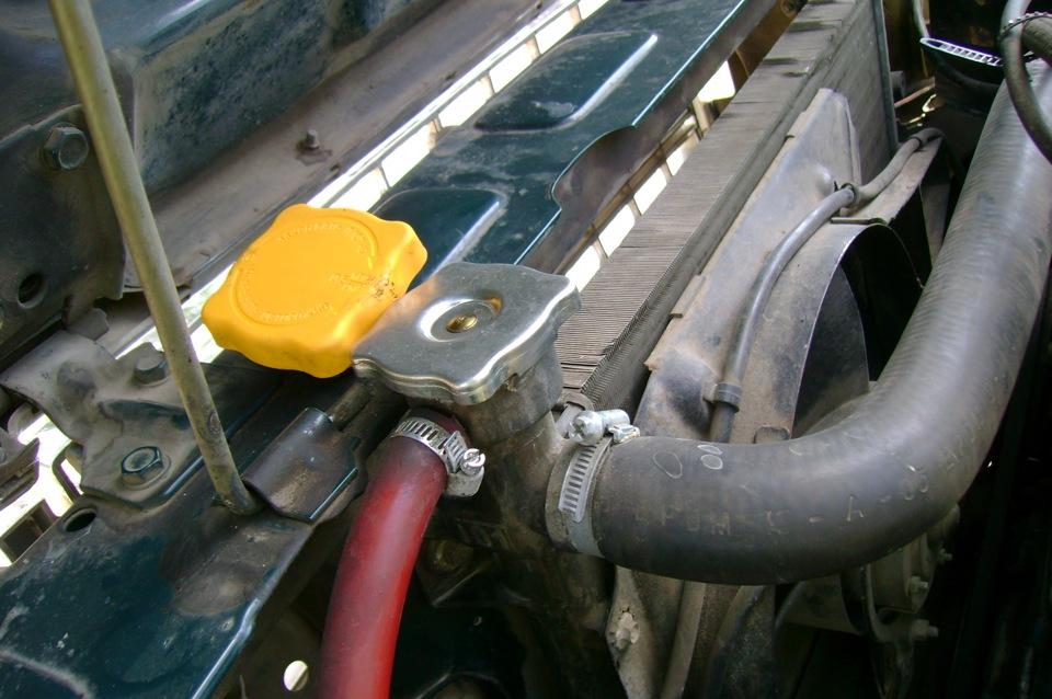 Радиатор под капотом семерки